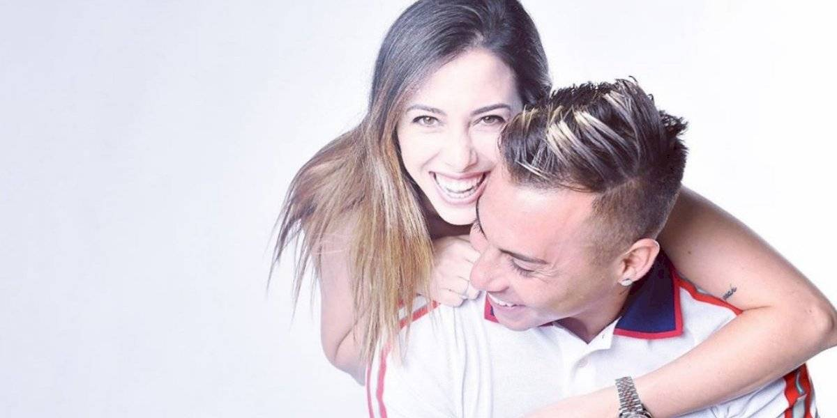 Esposa de Edu Vargas sale a su defensa tras fallar penalti