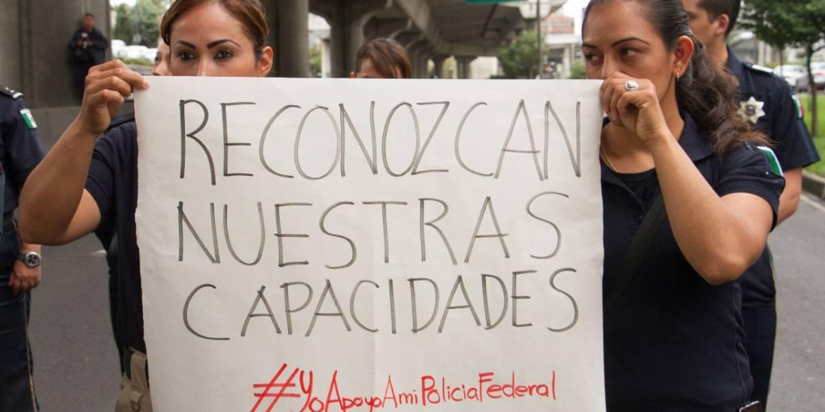 Elementos de la Policía Federal de Nuevo León se suman a protestas por la GN