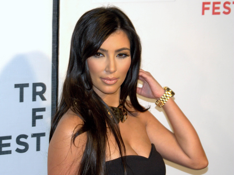 El Instituto de Salud Pública advierte riesgos en vitaminas para el pelo similares a las utilizadas por las Kardashian