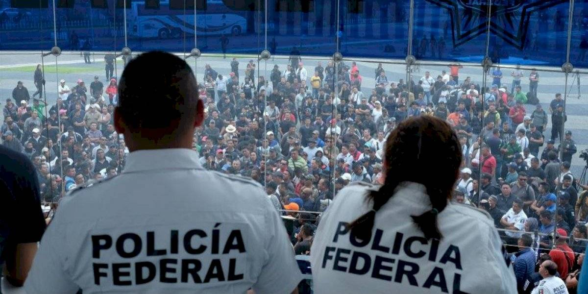 Policías federales rechazan continuar en el gobierno; exigen indemnización