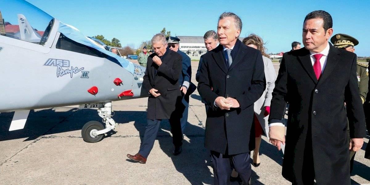 """Contraloría recomienda a ministro de la Defensa """"desistir de inmediato"""" de adquisición de aviones"""