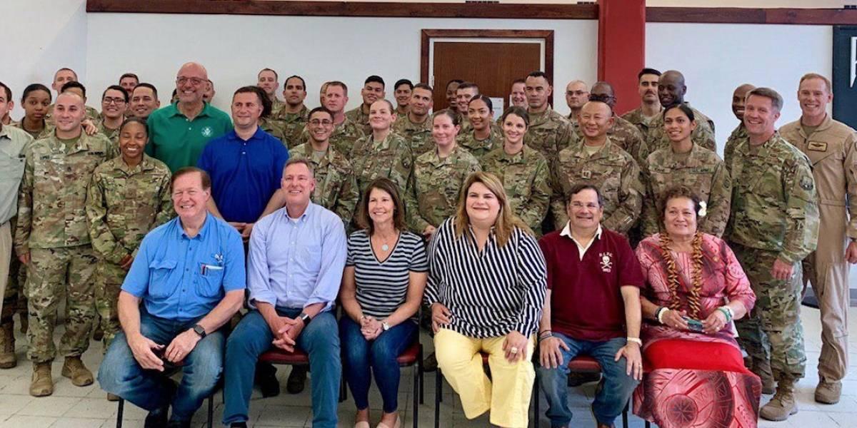 Jenniffer González celebra el 4 de julio con soldados puertorriqueños en el Medio Oriente