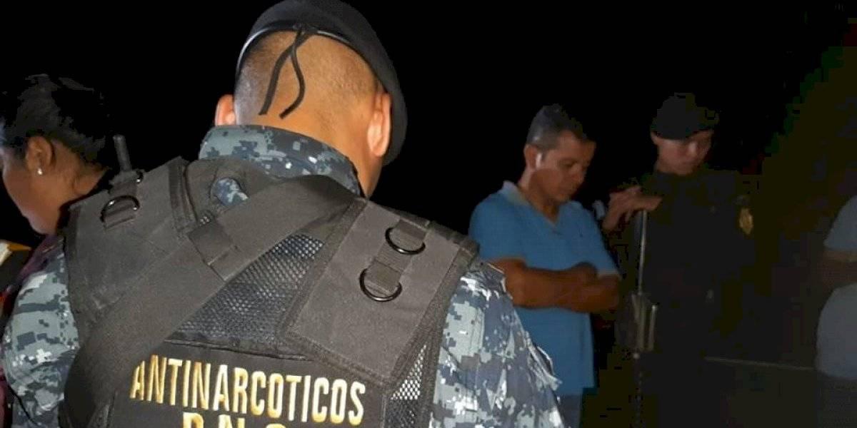 Decomisan droga y dinero en operativos en Escuintla y Huehuetenango