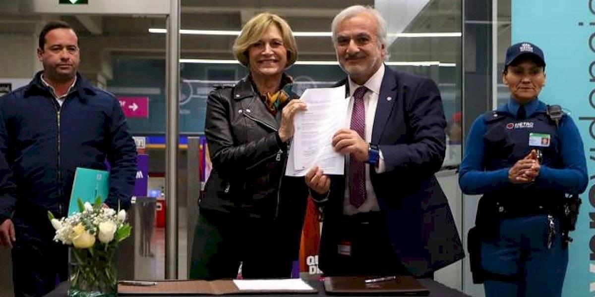 Providencia y Metro cierran acuerdo para erradicar el comercio ambulante de las estaciones de la comuna