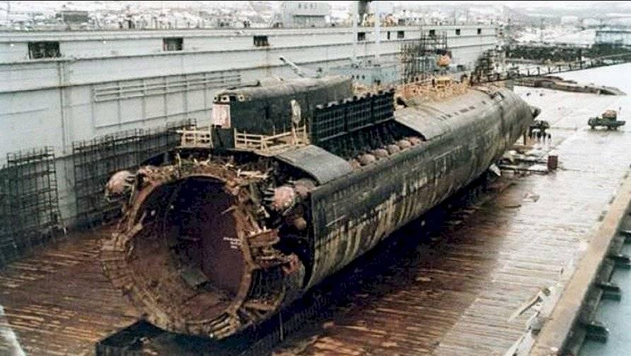 """Al estilo de la Unión Soviética: Rusia declaró """"secreto de Estado"""" accidente de submarino con catorce muertos"""