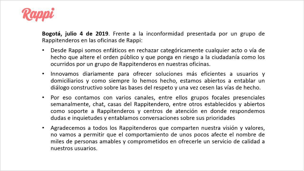Domiciliarios de Rappi protestaron frente a las oficinas de Bogotá denunciando explotación laboral de la empresa