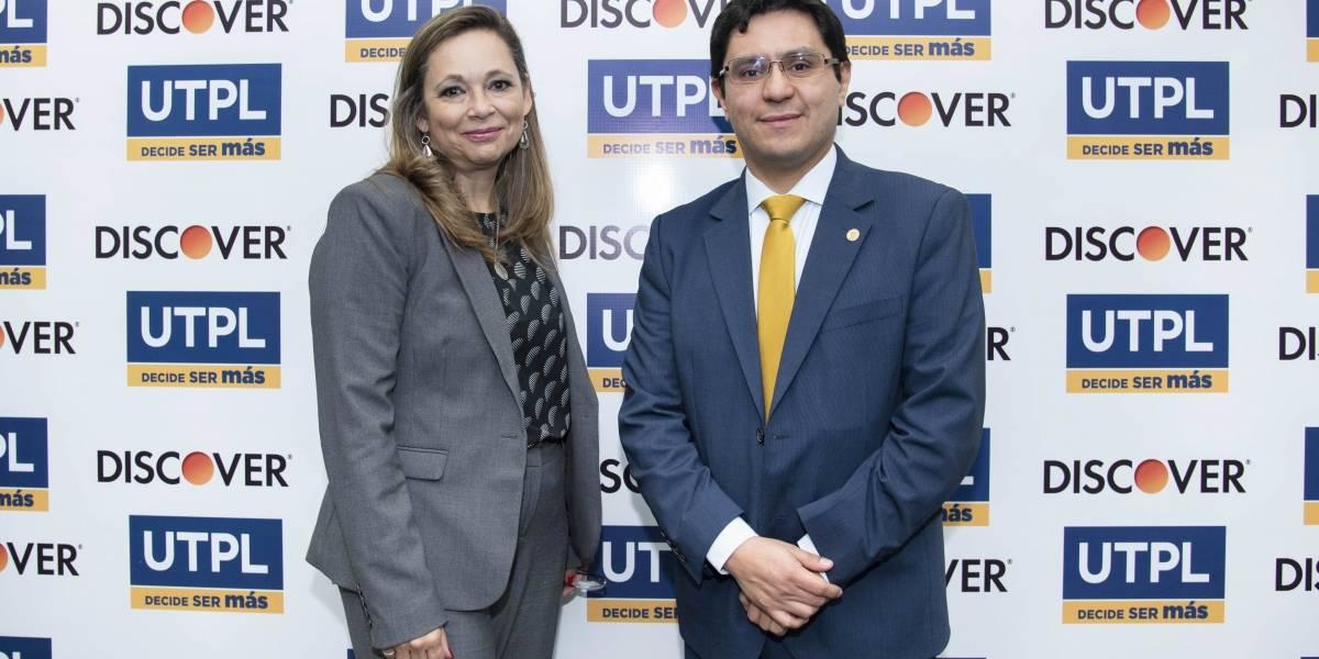 UTPL y Diners Club firman alianza que favorece a estudiantes universitarios