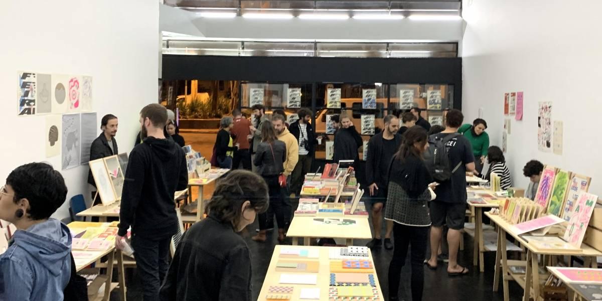 Feira de entrada gratuita no Centro de SP traz livros, pôsteres e artes para amantes de design
