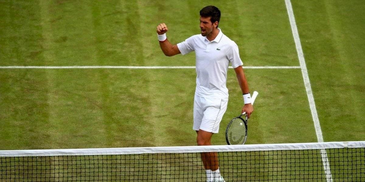 Djokovic sufre, pero avanza a octavos de Wimbledon