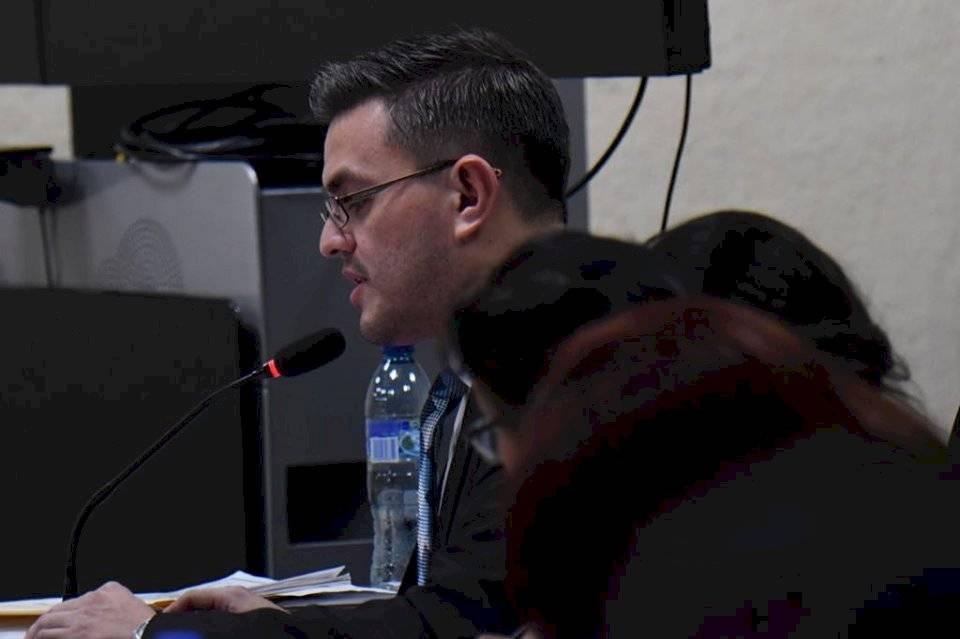 """Carlos de León, fiscal del MP asignado al caso """"Estado como botín: Registro General de la Propiedad"""". Foto: Omar Solís"""