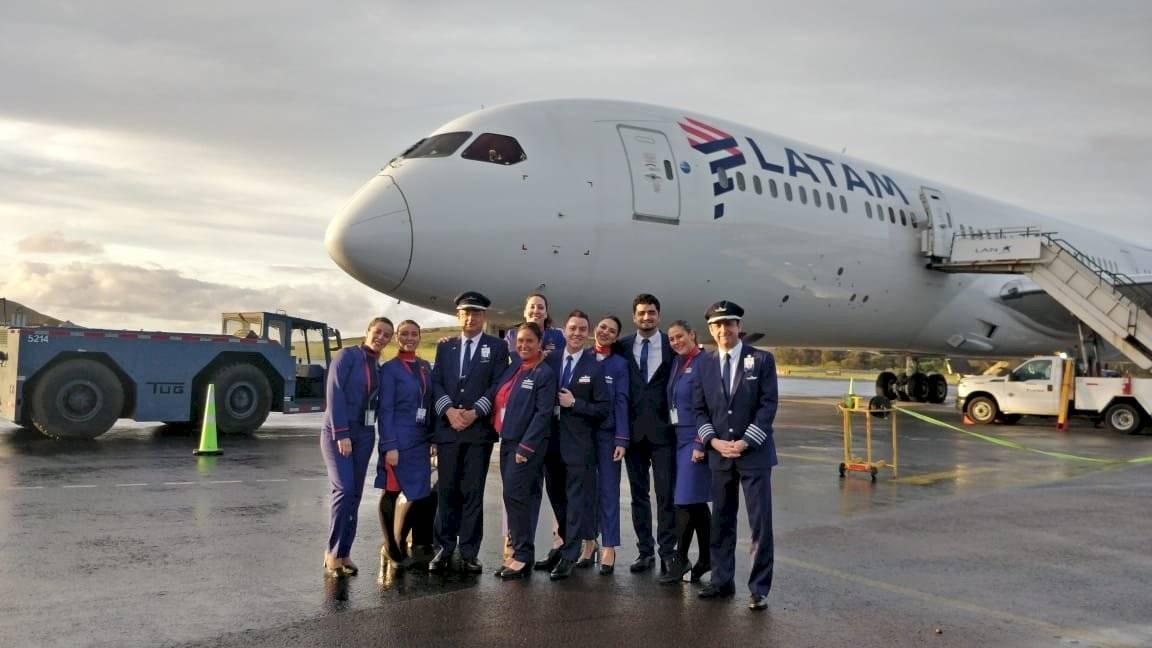 Vuelo de LATAM Airlines es el único en el mundo que sigue la sombra del eclipse total