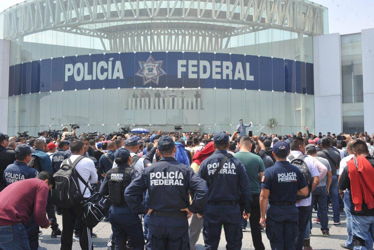 Manifestaciones de elementos de la Policía Federal. Foto: Cuartoscuro