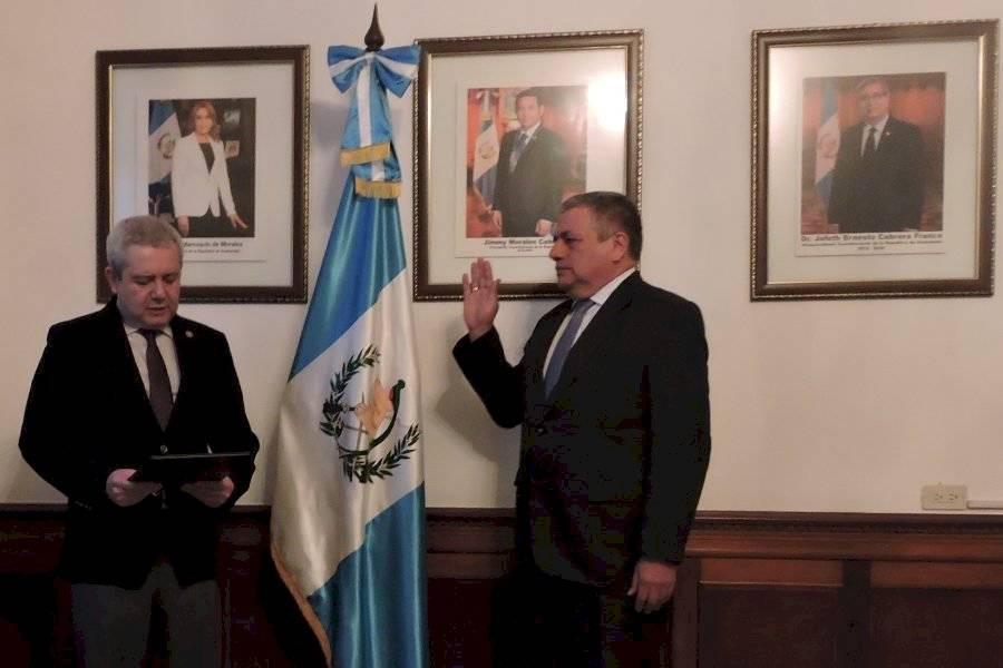 Enrique Degenhart defiende al viceministro Remberto Ruiz. Foto: Gobierno de Guatemala
