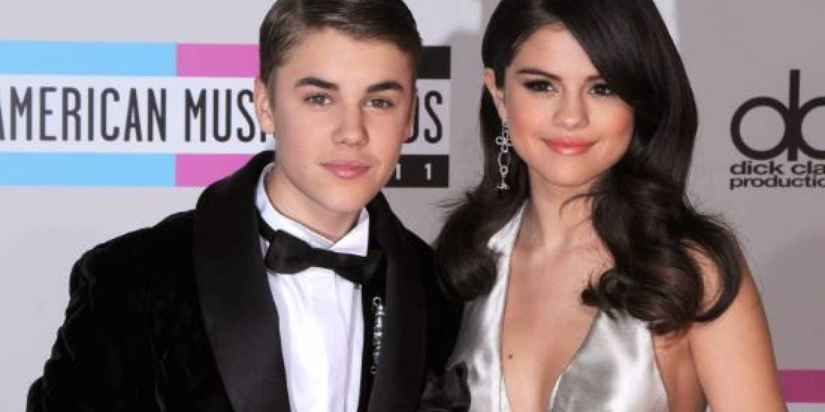 Aseguran que Justin Bieber trata de contactar a Selena Gómez mientras su matrimonio con Hailey se acaba