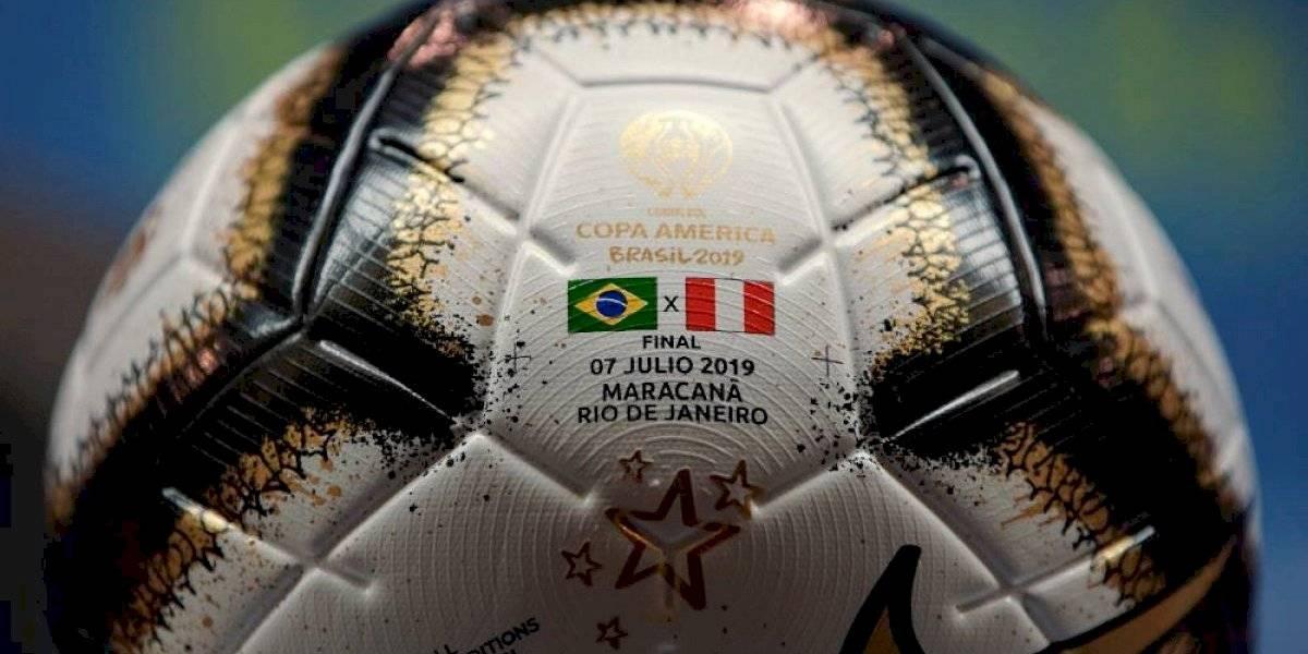 Brasil y Perú buscan la corona de Copa América que dejó Chile