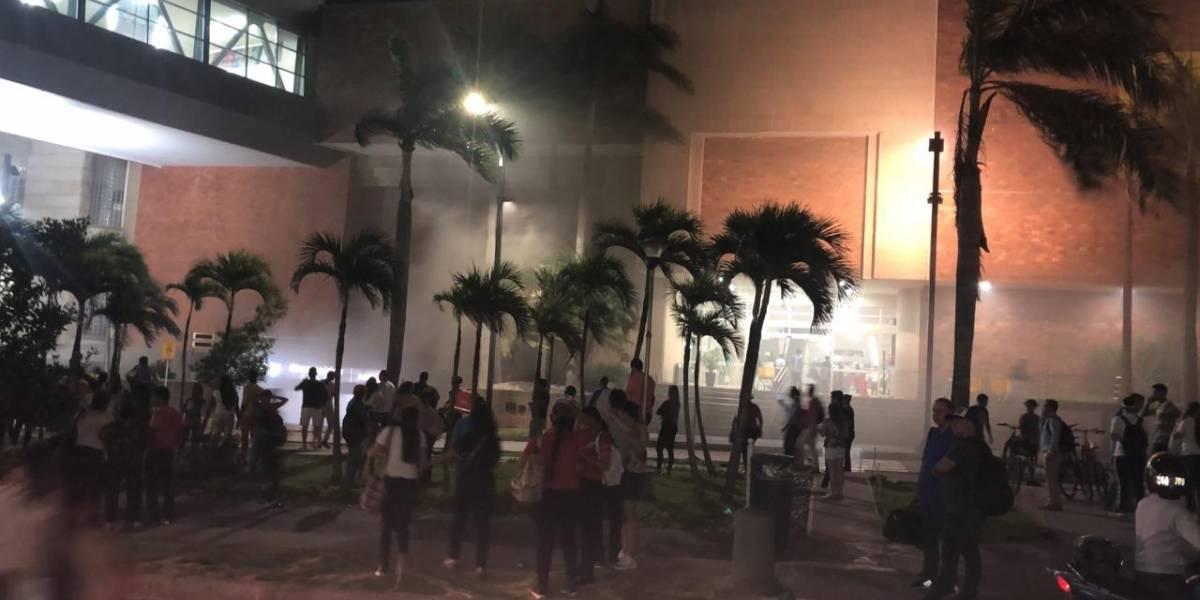 Evacuan Centro Comercial Buenavista en Barranquilla por incendio