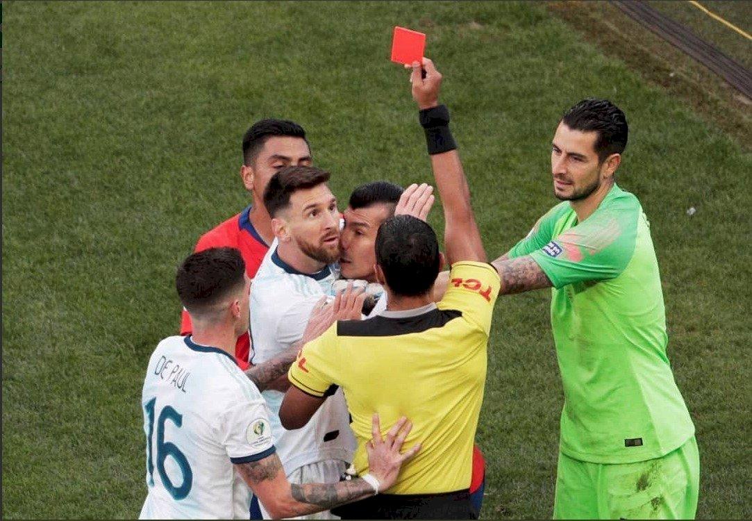 Messi se despide de la Copa América tras expulsión EFE