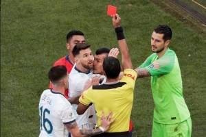 Messi se despide de la Copa América tras expulsión