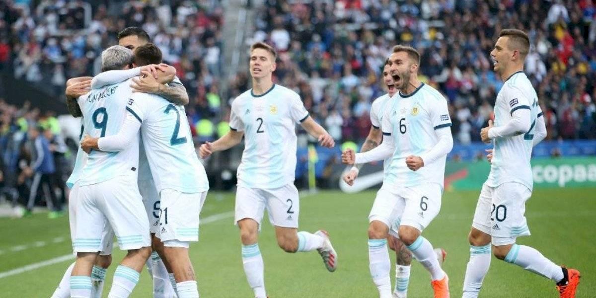 """""""Se sacó la mufa"""" y """"salvó el honor"""": La prensa argentina alabó a su selección tras derrotar a Chile"""
