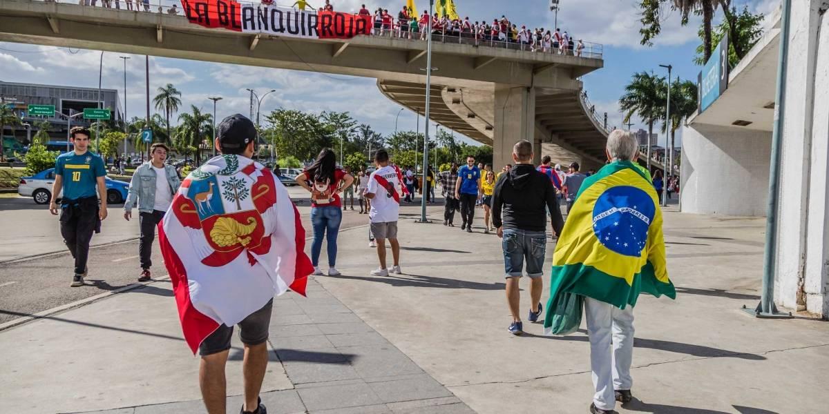 Copa América 2019: Torcidas chegam cedo e fazem festa no Maracanã para ver Brasil x Peru