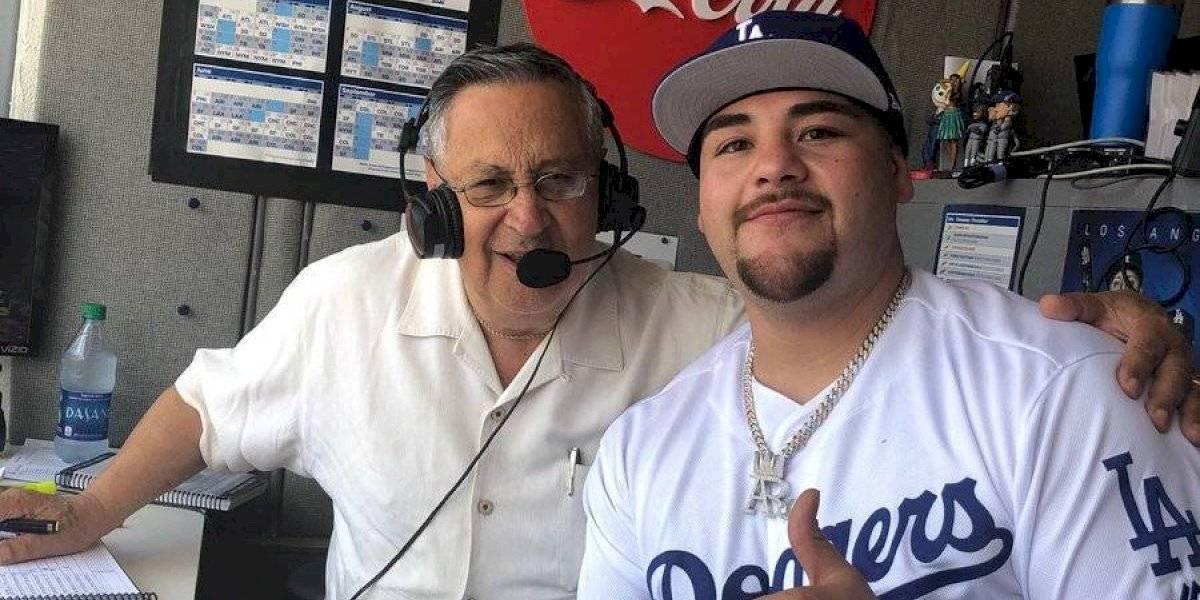 Andy Ruiz lanza primera bola en juego de los Dodgers