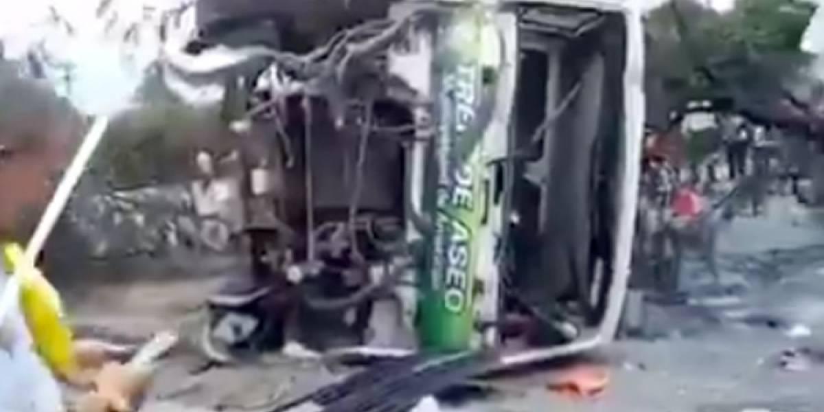 Camión volcado y motociclista accidentado en la ruta al Pacífico