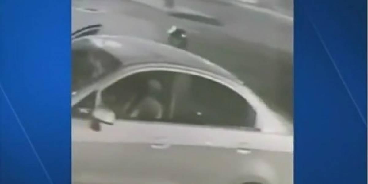 Hombre apuntó con arma a una pequeña niña para robarla