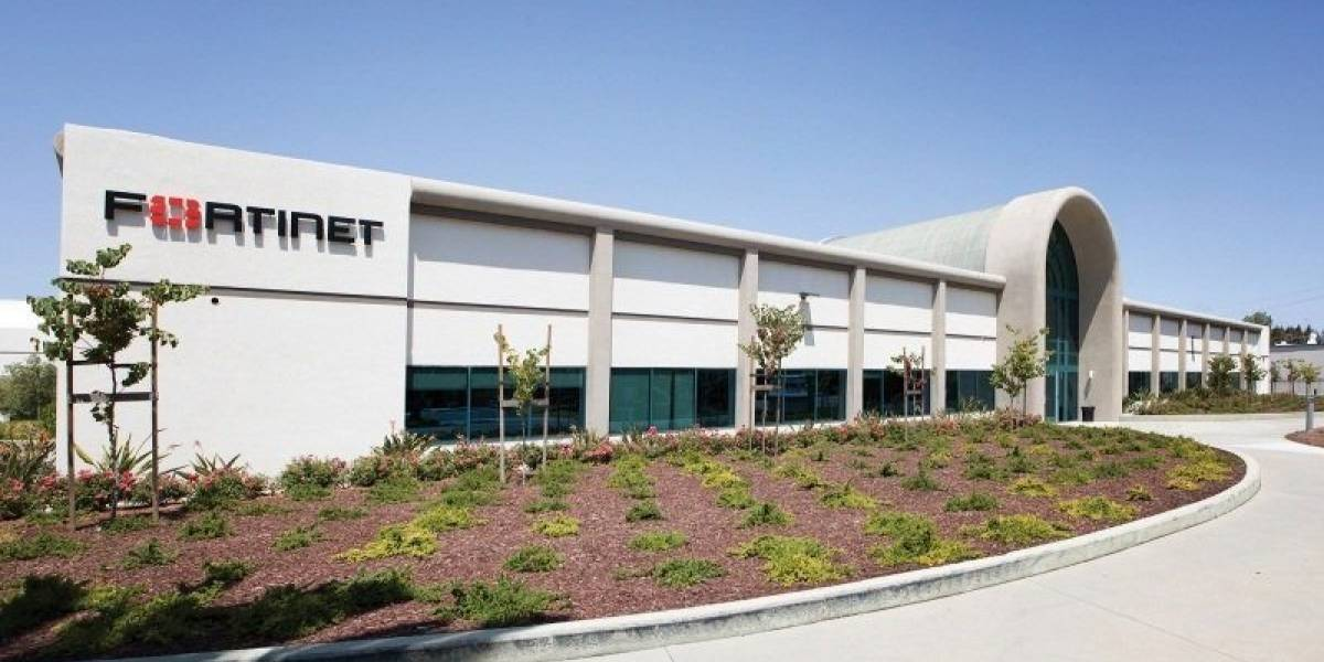 Fortinet recibe la calificación de 'Recomendado' de NSS Labs en el informe de prueba grupal de SD-WAN por segunda vez consecutiva