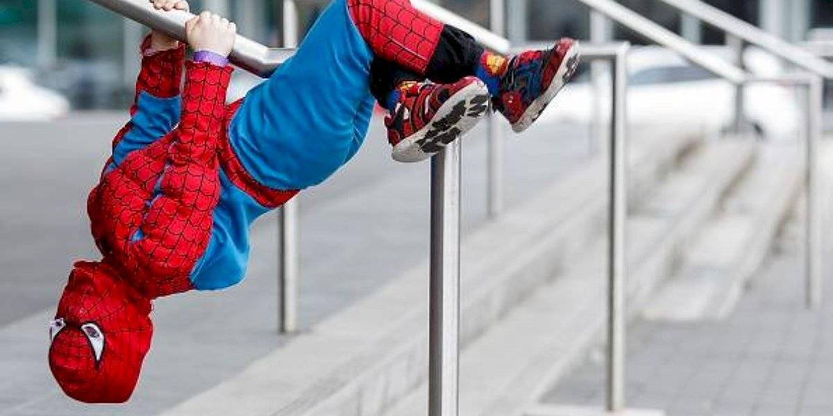 Acusa que Disney no lo dejó: la desazón del padre que no pudo enterrar a su hijo de 4 años con una lápida de Spiderman