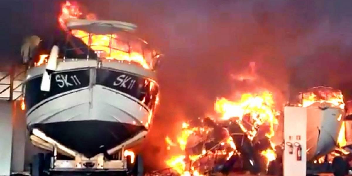 Incêndio atinge barcos de luxo em Bertioga, no litoral paulista