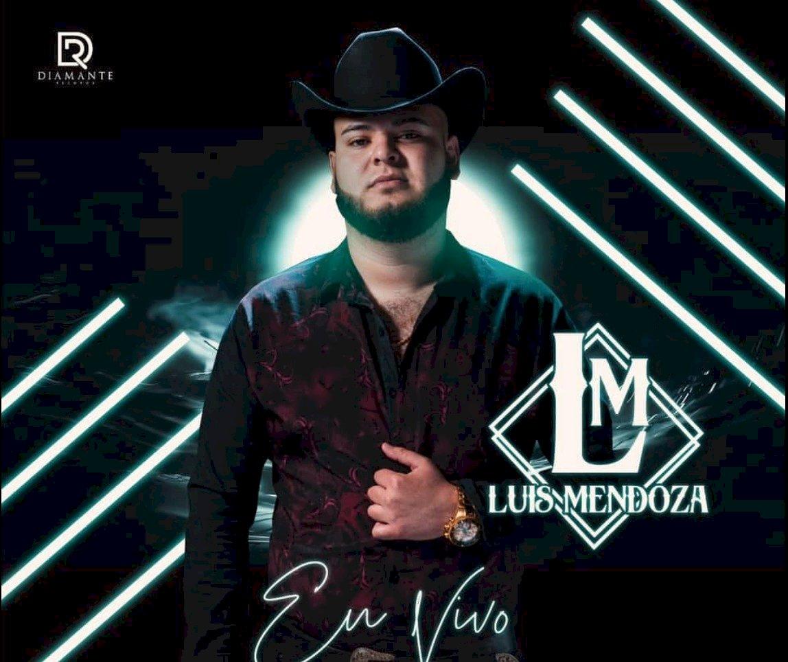 Luis Mendoza iba acompañado de su representante Facebook
