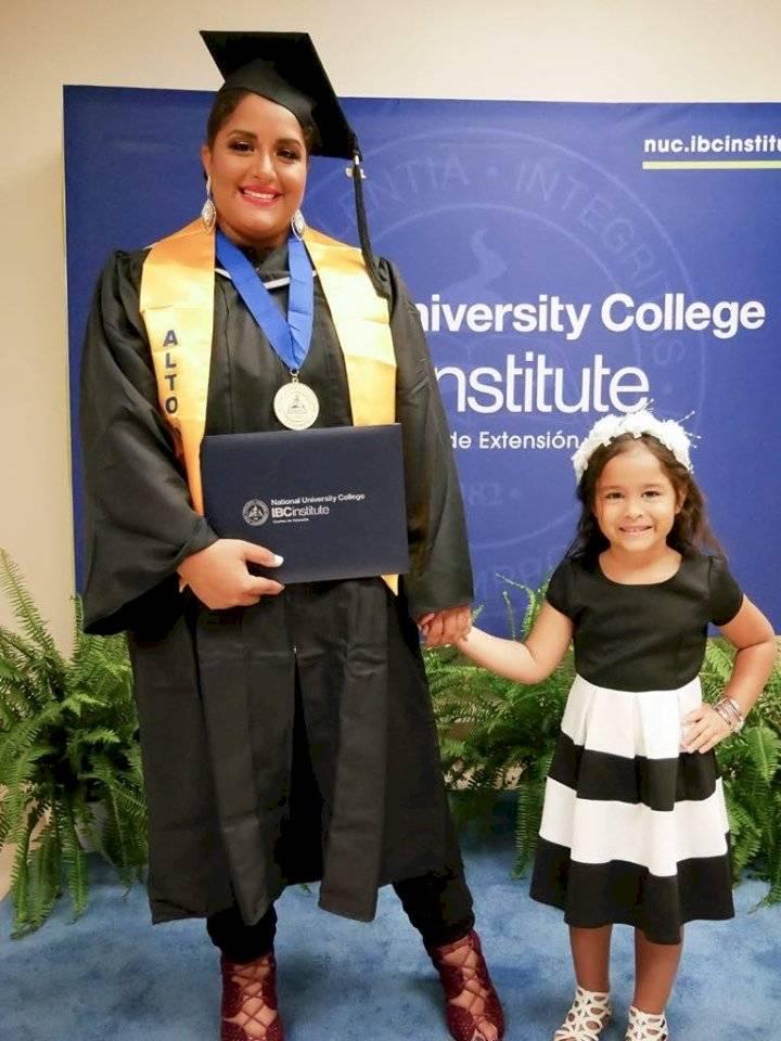 Noelian Ortiz se gradua