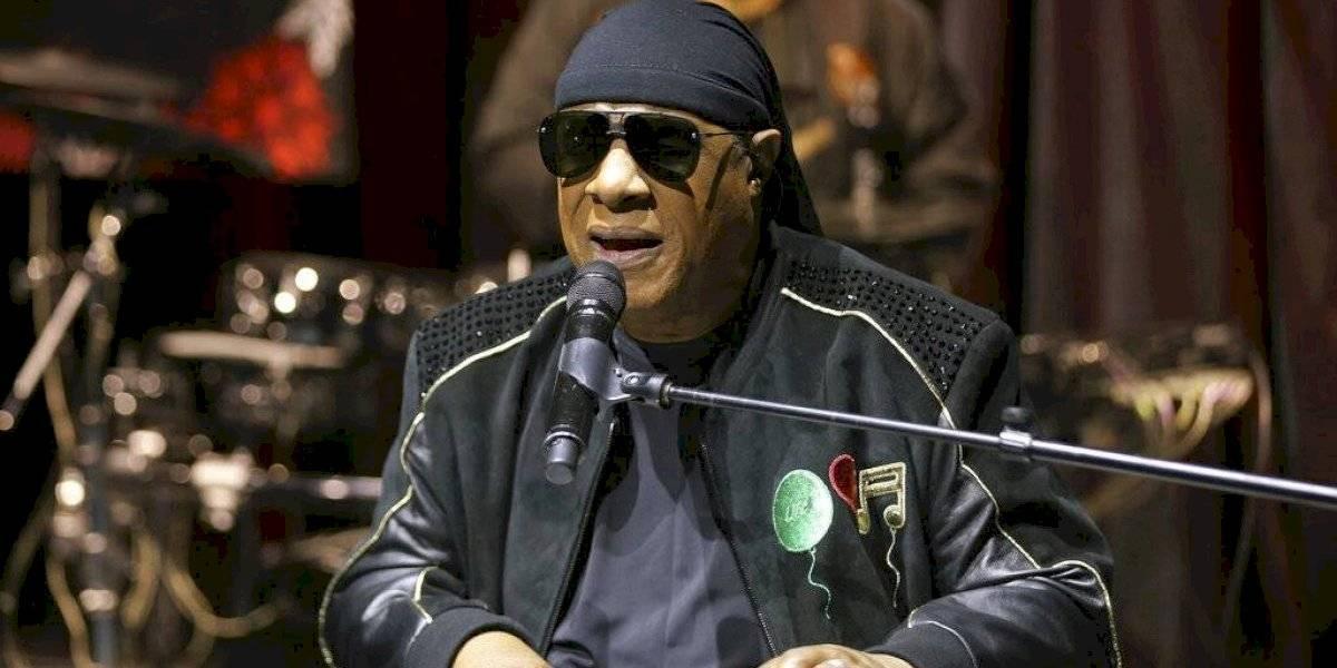 Stevie Wonder se retira de los escenarios hasta nuevo aviso: anunció que se someterá a un trasplante de riñón