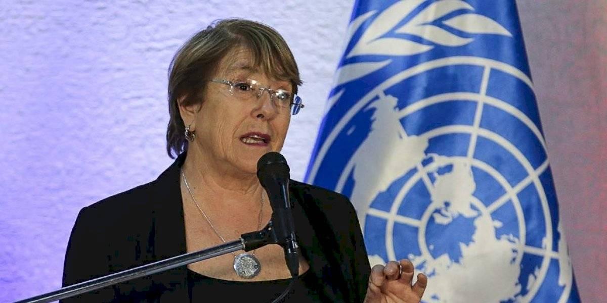 """Bachelet, """"impactada"""" por condición de detención de migrantes en EE. UU."""