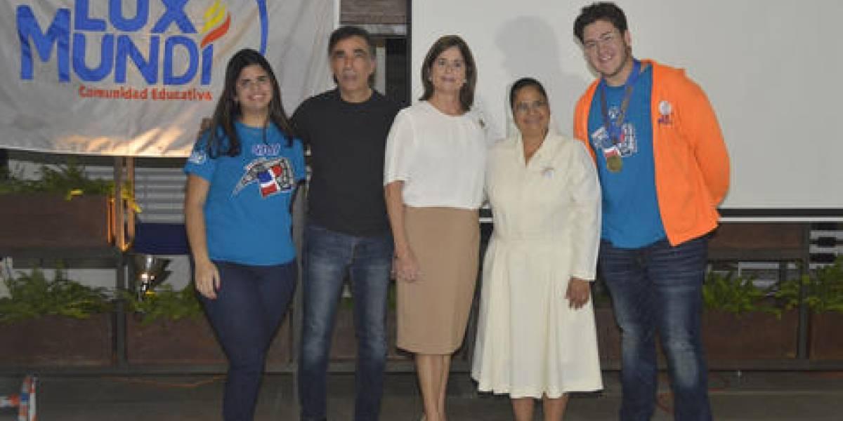 """#TeVimosEn: Colegio Lux Mundi reconoce a entidades por su apoyo al proyecto """"Team Force"""""""