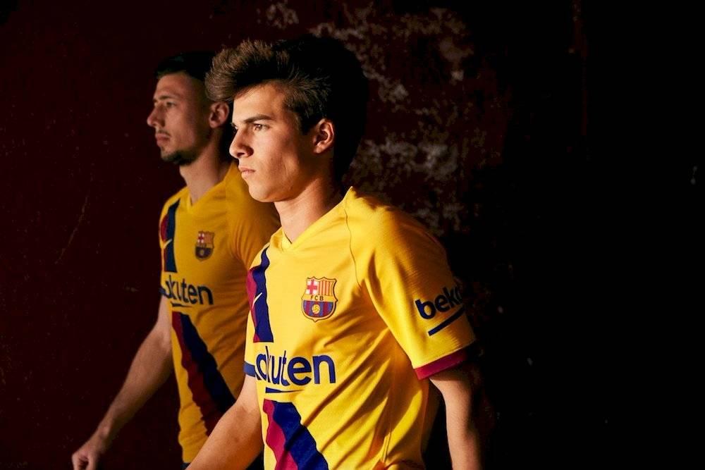 Barcelona realizó la presentación de su segunda equipación FC Barcelona