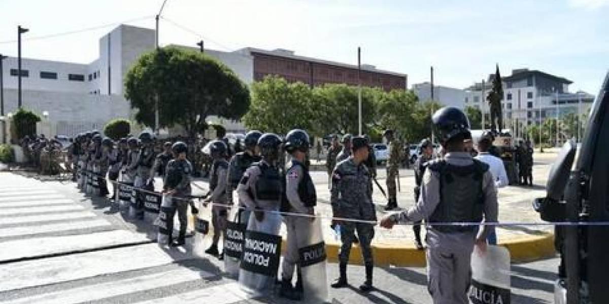 Gobierno dice que garantizará protestas, pero defenderá la paz