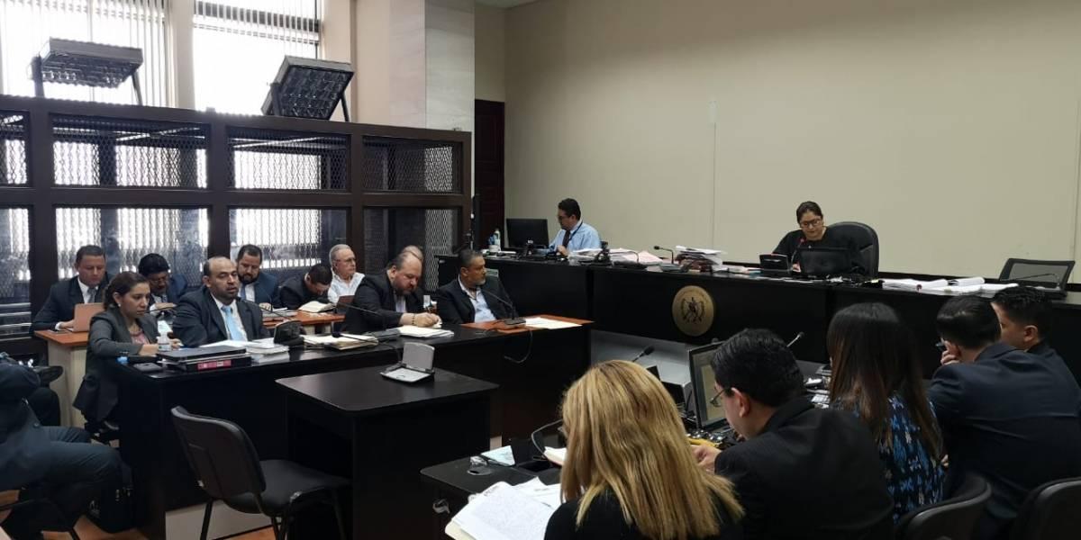 Vinculados en caso de posible financiamiento ilícito de UNE se entregan a la justicia