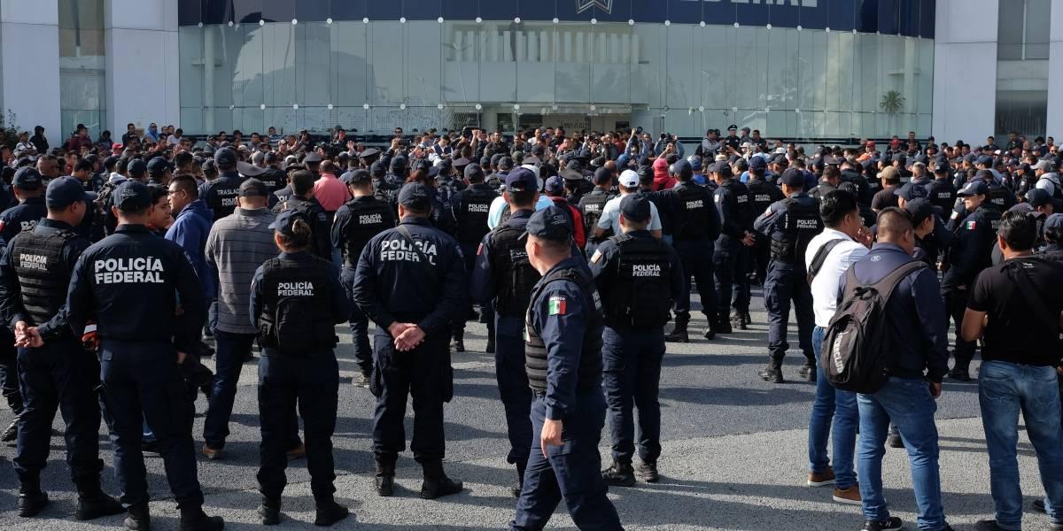 """Policías advierten """"medidas contundentes"""" si no se retoma el diálogo"""
