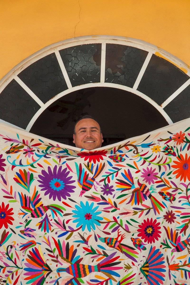 Juan Flores, Artesano de la Comunidad