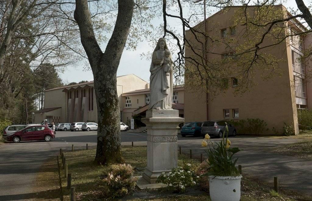 Vaticano levanta humanidad de nuncio de Francia, Luigi Ventura