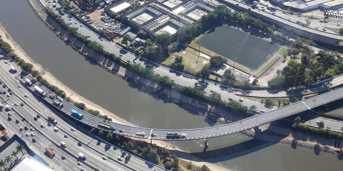Obras na marginal Tietê complicam trânsito no sentido Ayrton Senna