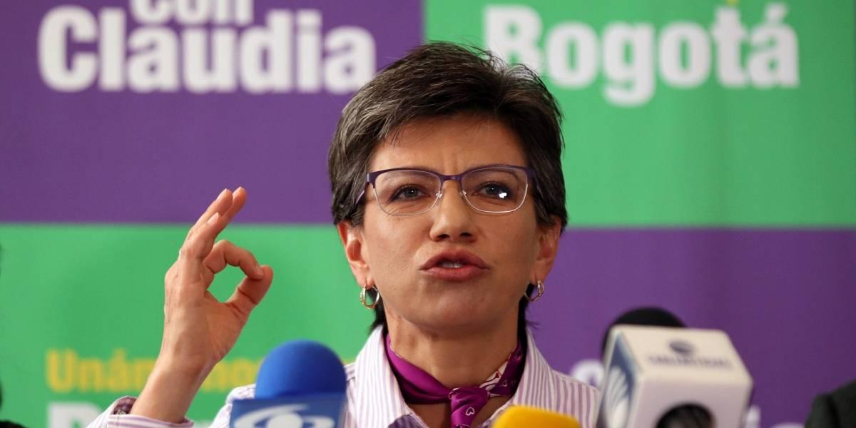 La valla del uribismo contra Claudia López que indignó a más de uno