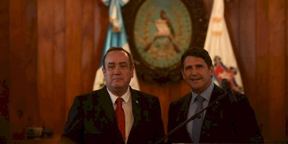 Ricardo Quiñónez y Alejandro Giammattei se reúnen en la Municipalidad