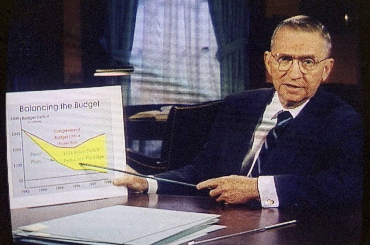 Fue uno de los primeros candidatos en utilizar gráficas durante los debates Foto: AP