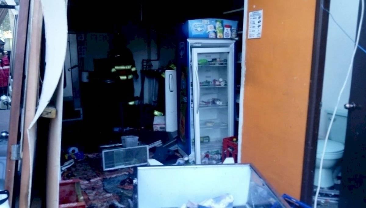 Incendio estructural en la Mariana de Jesús BOMBEROS QUITO