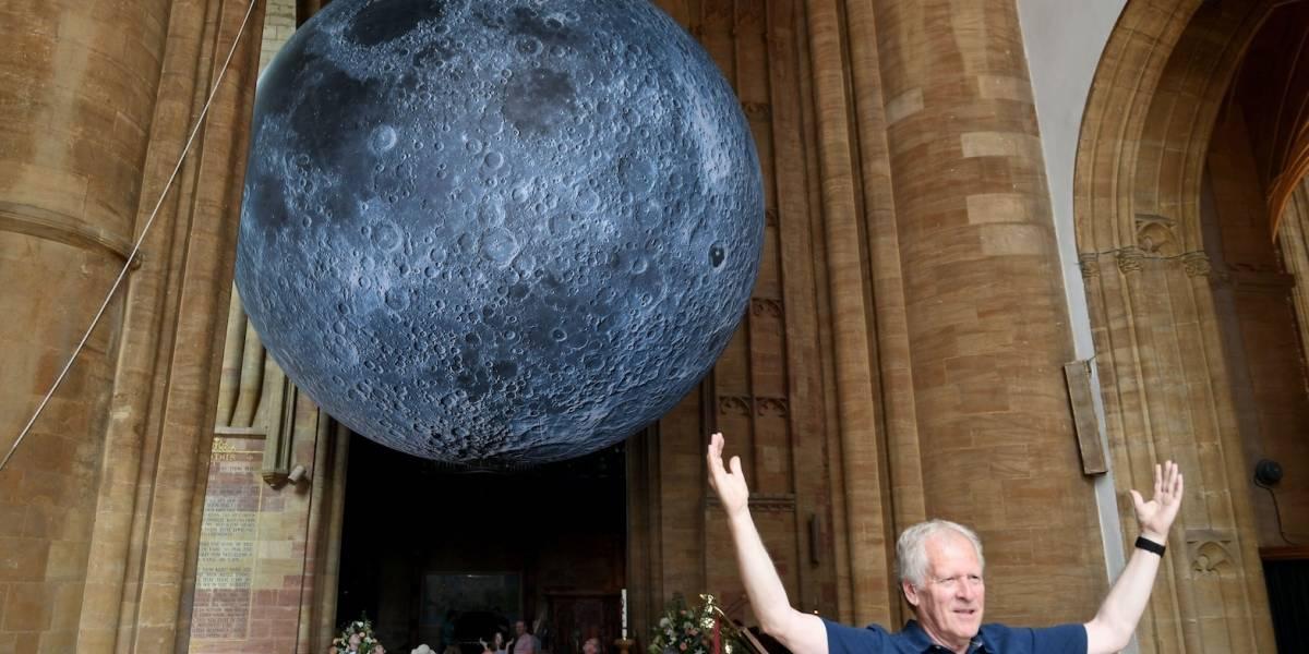 Luna enorme aparece en una abadía del Reino Unido