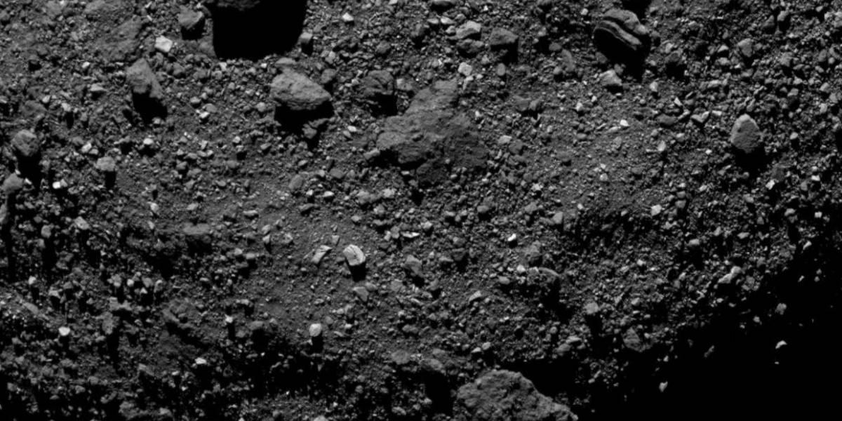 Sonda espacial OSIRIS-REx divulga novo registro do asteroide Bennu
