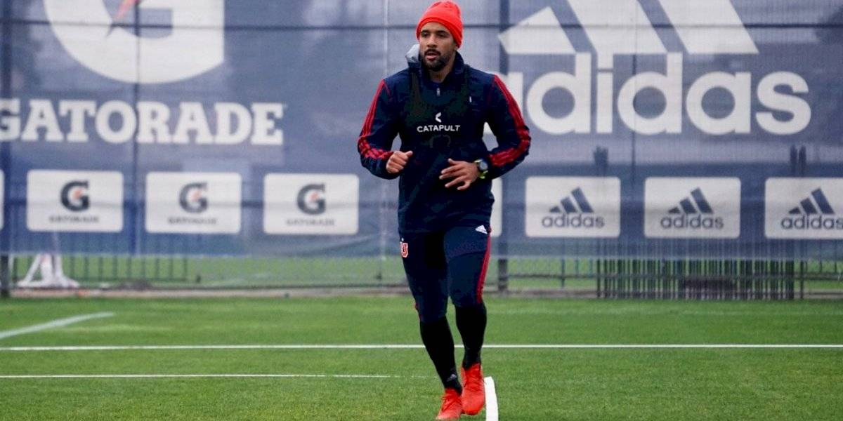 """El """"admirable"""" Beausejour volvió a las prácticas en la U tras su paso por la Roja en Copa América"""
