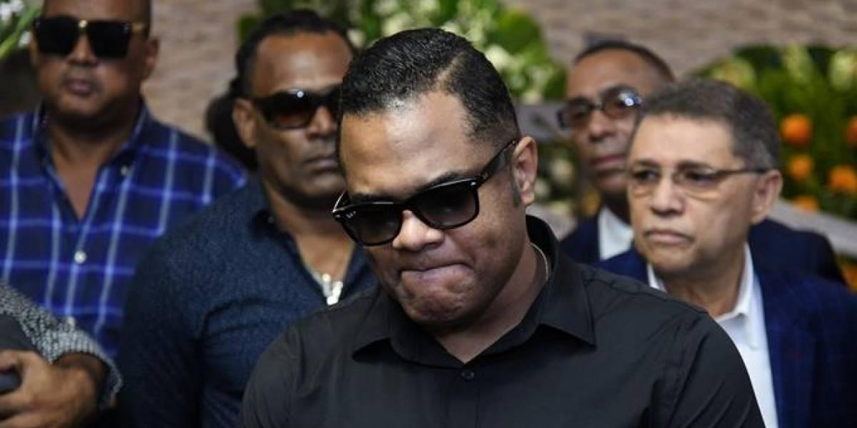 Artistas despiden a Víctor Waill; fue sepultado en Baní